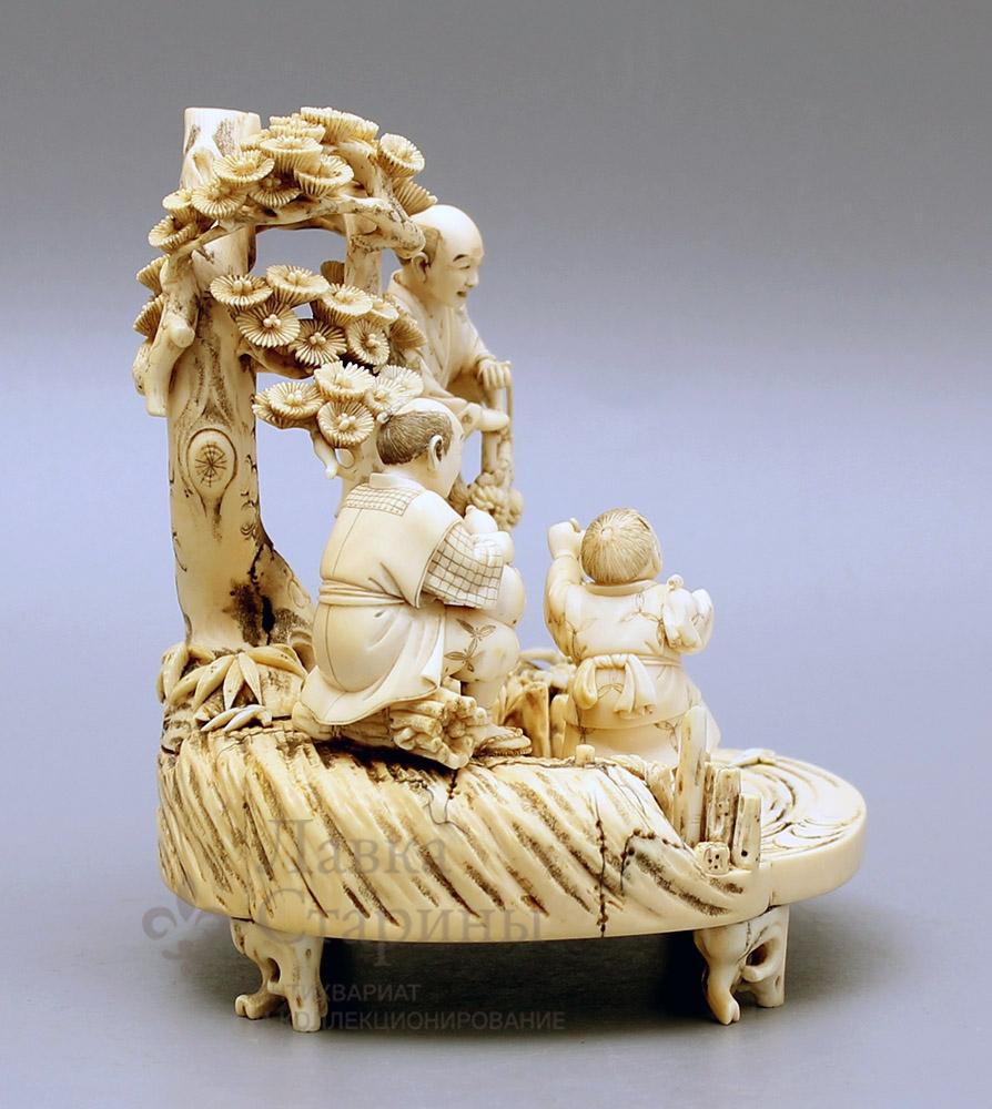 Японская скульптура: http://www.dvaveka.ru/skulptura/do-1917-goda/yaponskaya-skulptura/